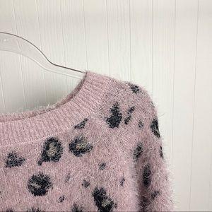 Freshman Sweaters - NWOT >> Fuzzy Leopard Print Sweater >> SZ M-L